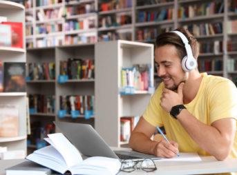 TOEICリスニング450点達成の勉強法やコツ、おすすめ教材を紹介!