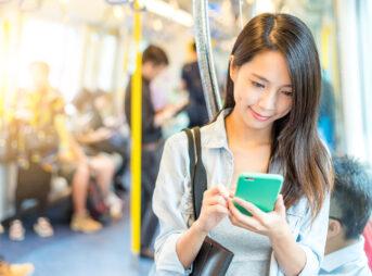 電車の中でTOEIC勉強を行うべき理由とおすすめの参考書&アプリ