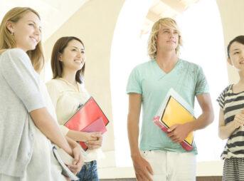 留学前にどのくらい英語を勉強しておくべき?留学準備と留学中の学習法を解説